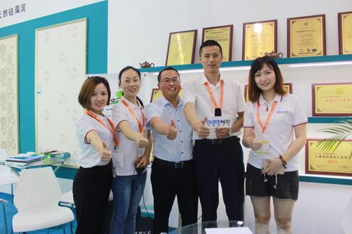 中国建材网专访和一硅藻泥总经理――于浪