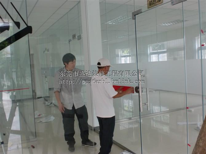 玻璃地弹门安装,玻璃雨棚安装