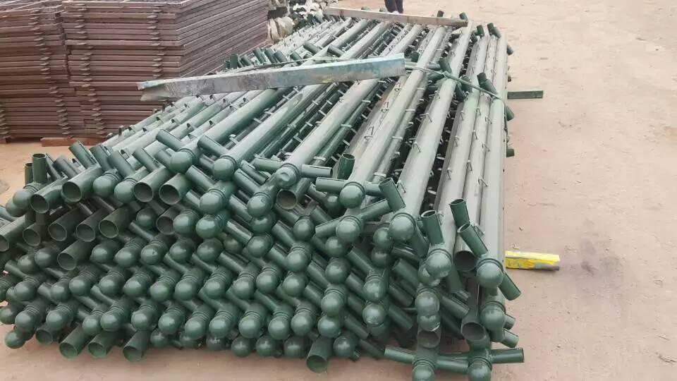 通化学校操场四周绿色围栏网/场地围网价格