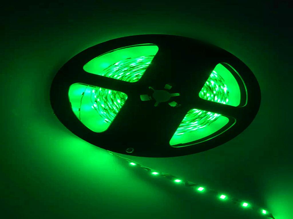 S型灯条的电路板设计,实现了多部位的任意弯折,解决了常规灯带折弯时因必须对折导致的电路容易受损和安装效率低下的问题,方便安装使用的同时,大大提高整体产品的稳定性。 S灯条适用于:迷你字,树脂字,平板,超薄灯箱,照明指示牌,广告招牌等空间比较小的产品当中。 S型2835软灯带安装注意事项 1.