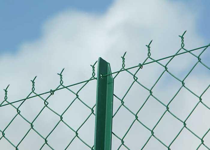 中禹篮球场围栏网规格尺寸可按客户要求生产