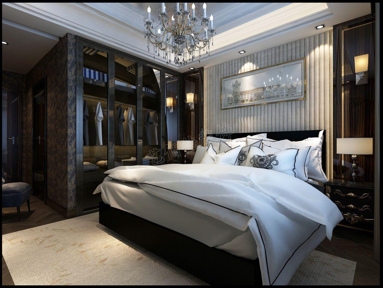主卧室采用了暗色欧式花纹的墙布