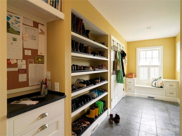 一面墙鞋柜装修效果图
