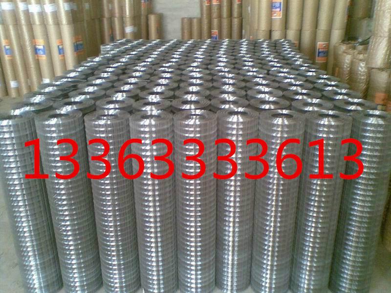 白钢焊接铁丝网经过镀锌之后更加坚固耐用