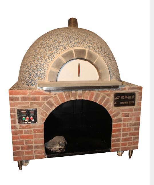 的烧木柴的面包炉