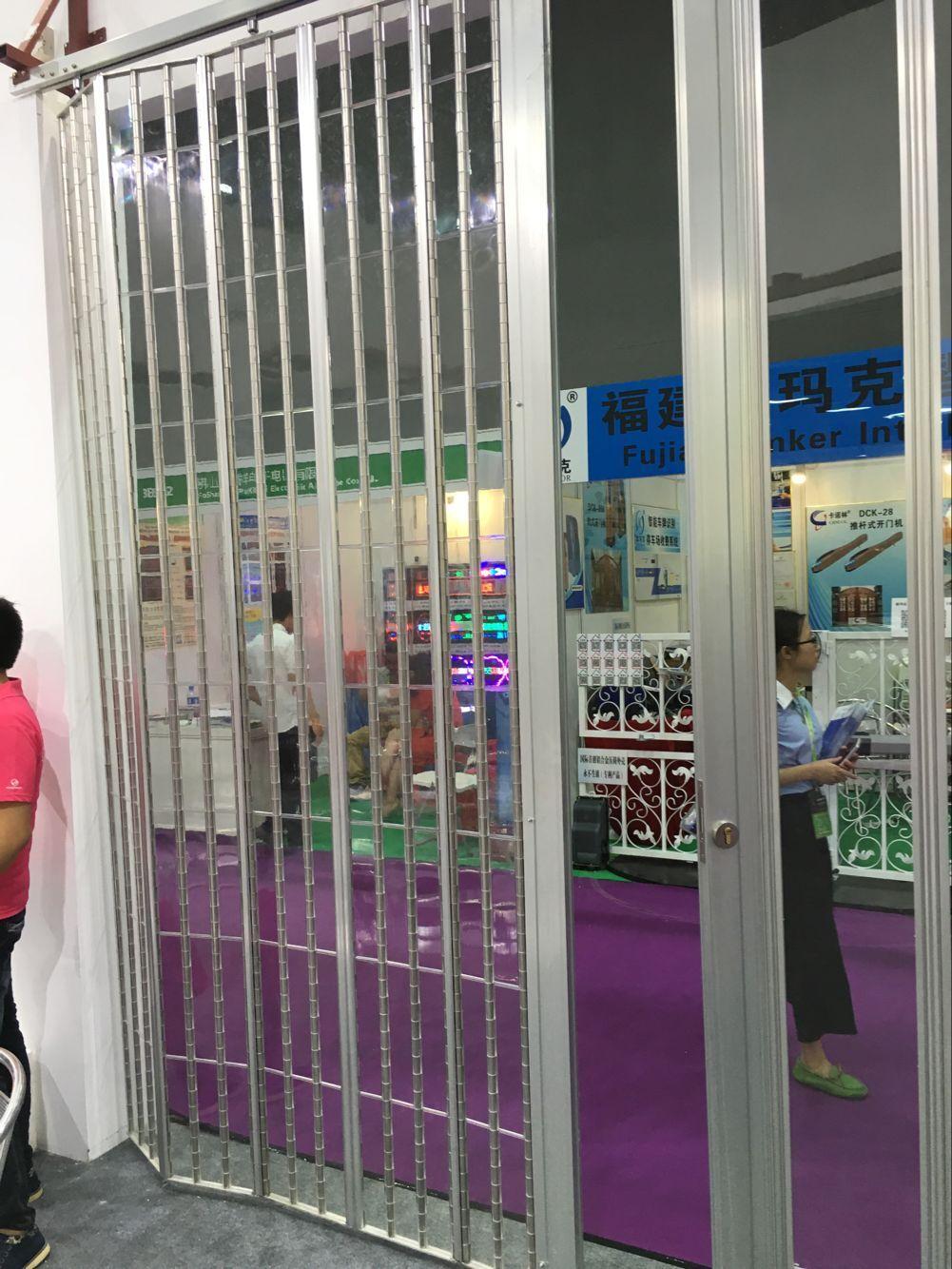 香港水晶折叠门、 铝合金水晶折叠门