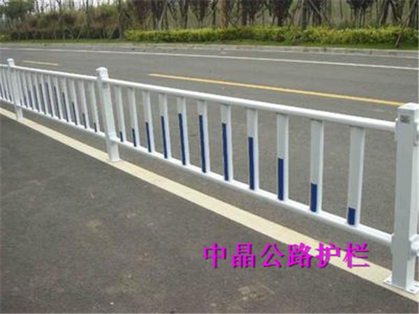 优惠供应滨湖热镀锌户外交通护栏