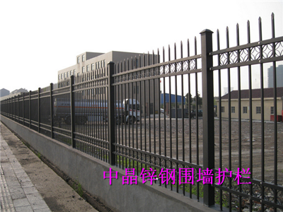 供应泰兴浸锌钢围墙护栏生产厂家