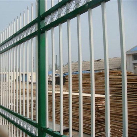 供应高港镀锌钢浸塑围墙栅栏价格