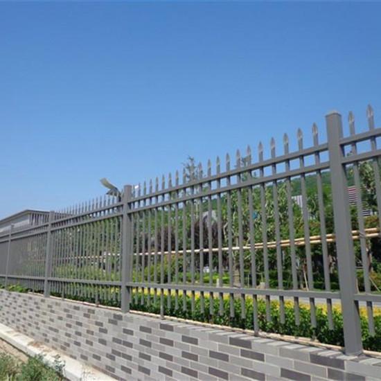 供应巢湖浸锌钢喷塑围墙护栏价格