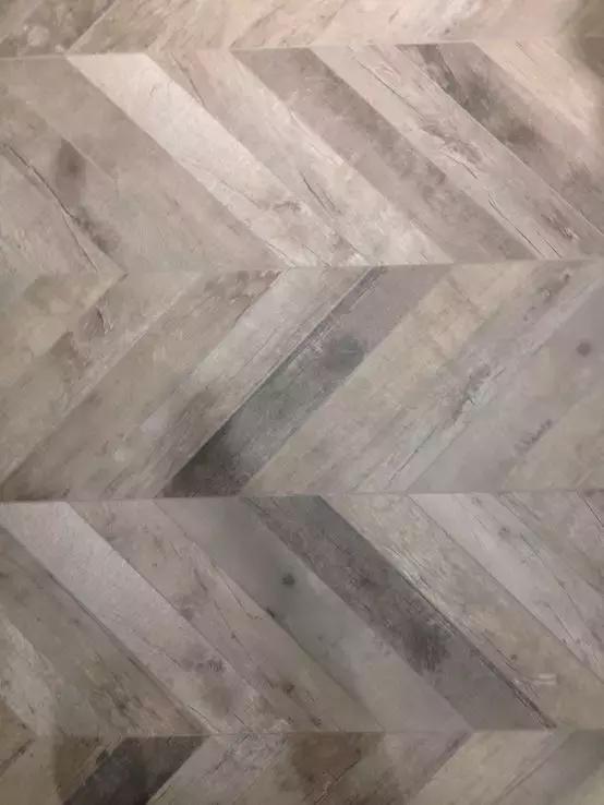 木纹砖哪种颜色好