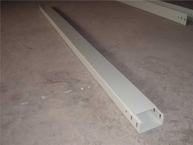 深圳喷涂线槽喷塑电缆桥架喷漆线槽烤漆桥架图片