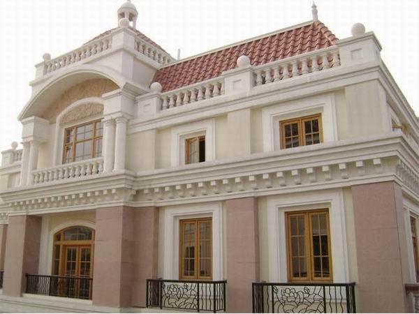 配有欧式的家居,充分体现了欧式风格的舒适,典雅的氛围;餐厅设计了1个