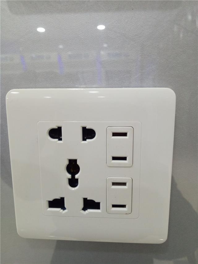九孔方板画电路连接