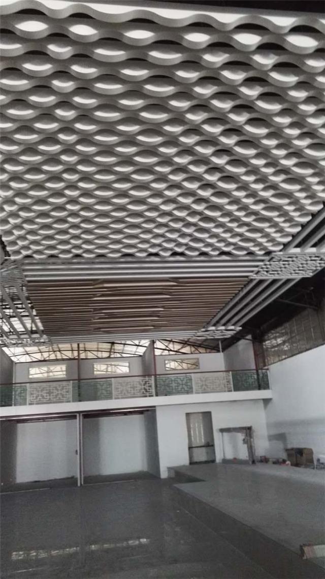 室内弧形铝格栅天花-造型铝方通格栅吊顶