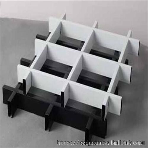 六角格栅天花安装方法1