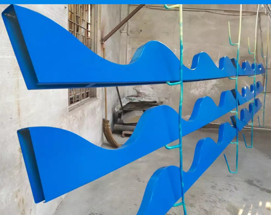 铝方通吊顶-弧形铝方通吊顶