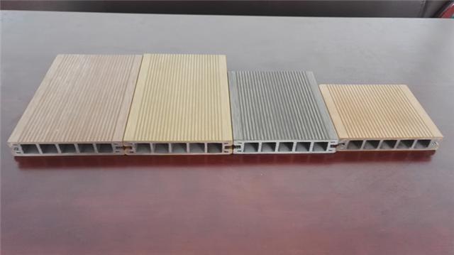 日照市长期大量木塑地板直销