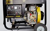 小型汽柴油发电机在身边抗风防雨备用电源