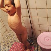 供应宝宝贝儿童安全洗澡器淋浴器趣味洗澡器