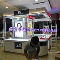 供应济南化妆品展柜制作