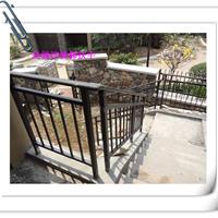 锌钢阳台护栏制造商,锌钢热镀锌楼梯扶手特点