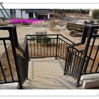 小区建筑楼梯扶手和阳台栏杆用锌钢制作出精致外观原因