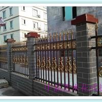 供应户外扶手楼梯怎样设计格局控制空间大小