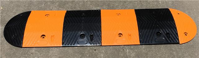 高抗压减速带 加厚橡胶减速板 5CM减速带