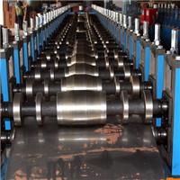 2017年鸿本机械成产车厢板滚压成型设备