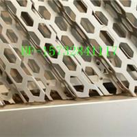 2.0mm厚奥迪外墙装饰网-菱形折弯装饰冲孔板