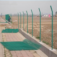 沙市公路围栏网批发 马路两边的绿色隔离栅