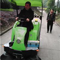 小型扫地机  重庆洁驰V3驾驶式扫地机