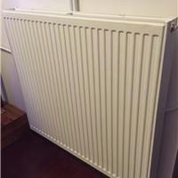 精装房屋安装明管暖气片