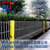 桃形立柱护栏网 草坪围栏 双边护栏网多少钱