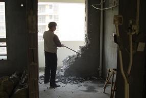 天津拆墙砸墙拆砸房屋建筑清运垃圾