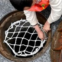 易佰专业生产各种颜色规格型号窨井防坠网
