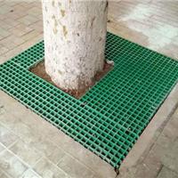 让城市更加的美化,少不了保护树木的树篦子
