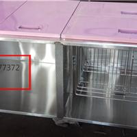 不锈钢柜体搭配彩钢门板