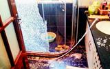 淋浴房爆炸 皇冠卫浴称有爆炸率且已出保修期-福瑞淋浴房自爆伤人