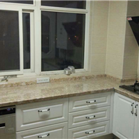 纳米晶玉板、整体厨房、新型装饰材料、厨房装修、抗锤击、耐高温、不渗透