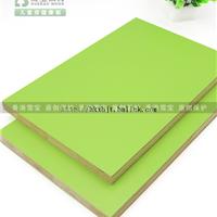 雪宝炫彩系列生态板绿野仙踪