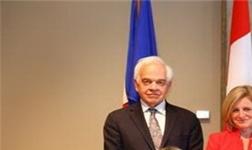 在加拿大大使馆,兔宝宝与加拿大艾伯塔省研究院签署新一轮战略合作协议