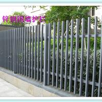 防护围墙护栏厂家提示楼梯护栏您知道施工留意什么