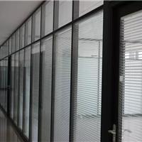 办公隔墙具有很好的通透性