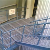 供应钢梯踏步板