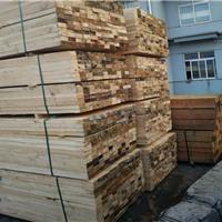 厂家直销辐射松木方建筑口料建筑模板 按需加工四面抛光木材批发