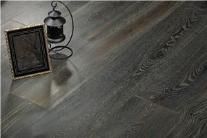 江苏常州厂家供应现代多层地板橡木贴树皮厚15mm